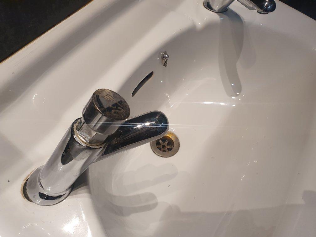 sink unblocked bathroom